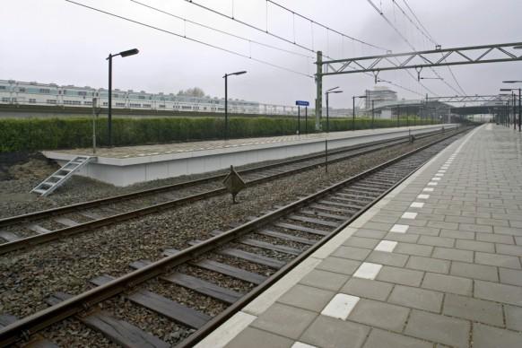 Station Schiedam Bahnsteigelemente